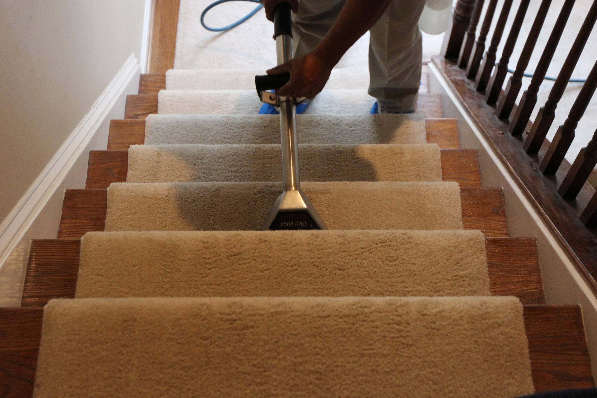 اصول نظافت راه پله